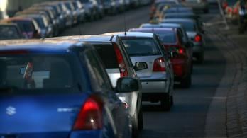Ésszel autózzon Budapesten hétfőtől, és vigyázzon, hova parkol