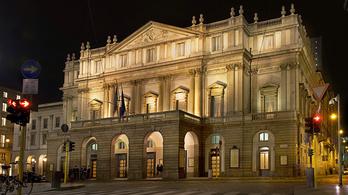 A Scala a turistáknak: Öltözzenek fel rendesen!