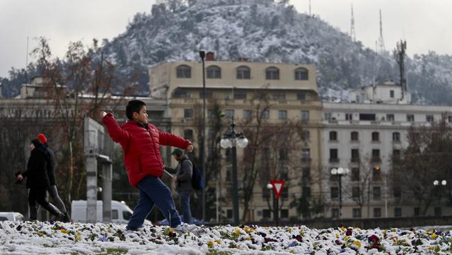 Havazás bénította meg Chile fővárosát