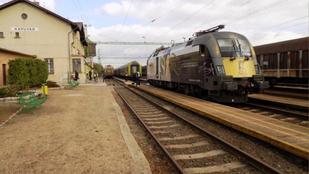 A mozdonyvezető és a tolatásvezető is hibázott a kapuvári vonatgázolásnál