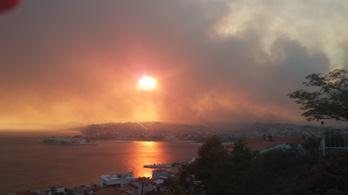 Splitet fenyegeti az erdőtűz