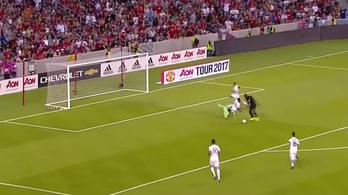 Hármas alázás után lőtte első unitedes gólját Lukaku