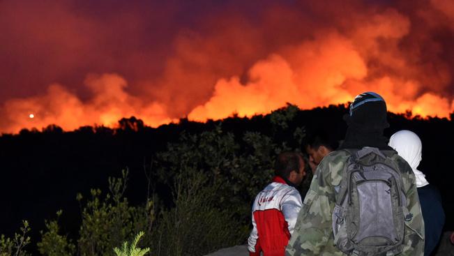 Már Split határában tombol a horvát erdőtűz