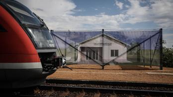 Balatoni vasútállomás: látványterv a semmiben