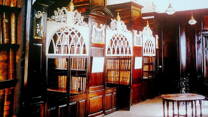 Marsh's Library az olvasóteremben ketrecekkel