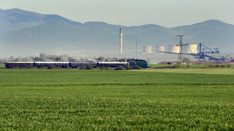Sztárbrókerekkel állhat össze Mészáros Lőrinc a Mátrai Erőműért
