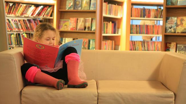 Az EasyJet repülő könyvtárral kedveskedik a gyerekeknek