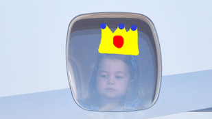A kétéves Sarolta hercegnősködése a reptéren már most megnyerte a napot