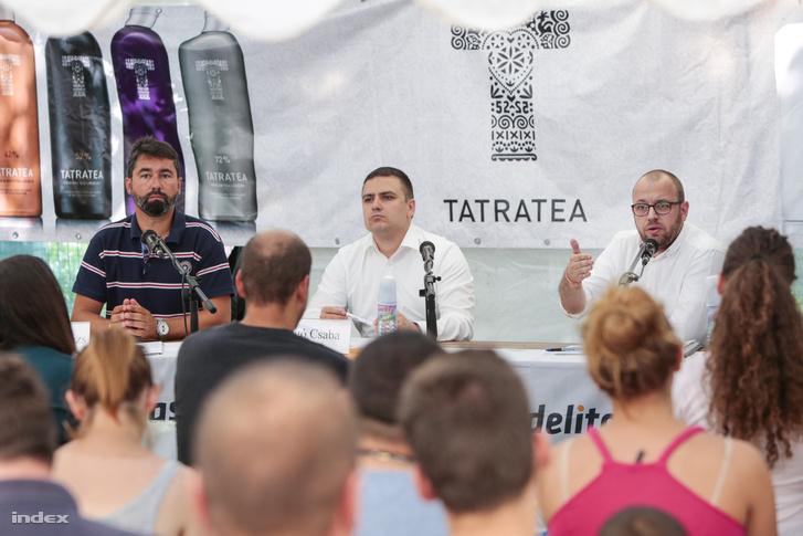 Hidvéghi Balázs, a Fidesz kommunikációs igazgatója, Faragó Csaba, kampánymenedzser és Porcsalmi Bálint, az RMDSZ ügyvezető elnöke