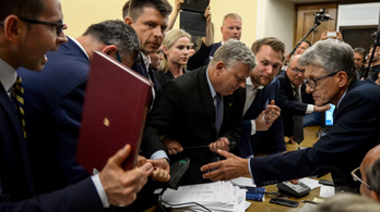 Példátlanul messzire mentek Orbánék fő szövetségesei
