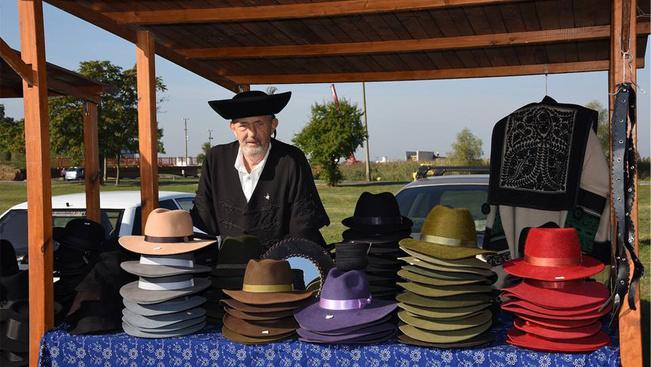 Ünnepeljen több száz kalapossal a Hortobágy határán!