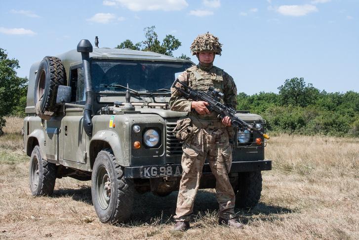 Angol katona, angol autó