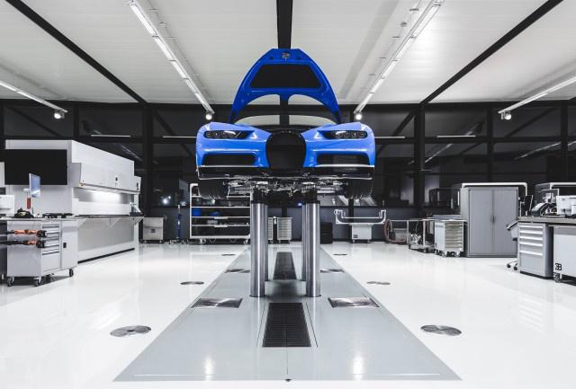 bugatti-chiron-production-in-molsheim-france 100591480 m
