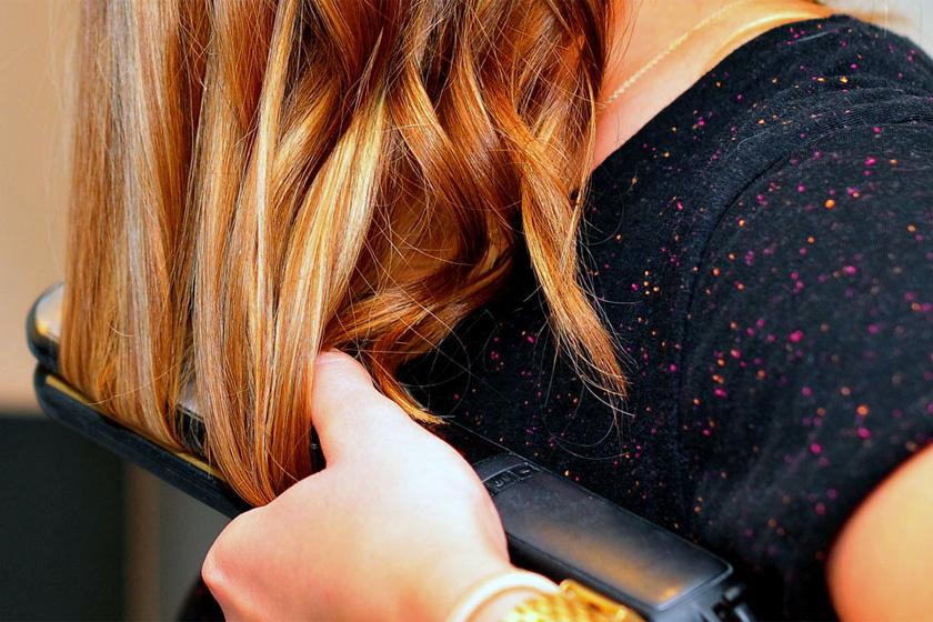 Hogyan kell tisztítani a hajvasalót? A hajad megköszöni, ha megteszed