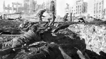 75 éve fordult meg a 2. világháború sorsa