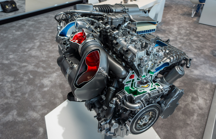 A kipufogógáz-utókezelés berendezései jobban elférnek egy hengersor mellett, mintha V-motor lenne