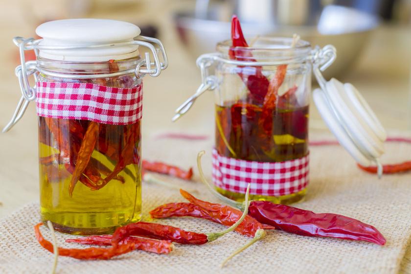 Napon szárított, olajban eltett paprika: görög recept szerint