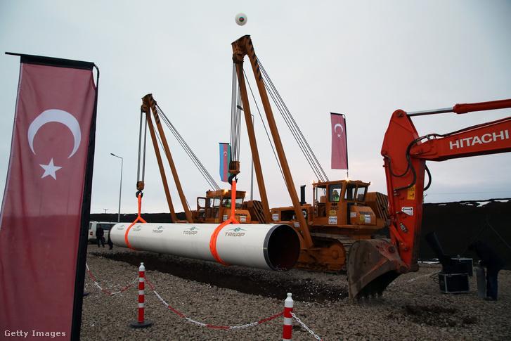 A transz-anatóliai vezeték (TANAP) építése