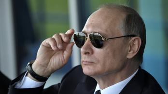 Oroszország 755 amerikai diplomatát utasít ki