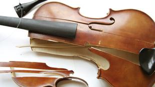 54 hegedűt tört össze dühében egy csalódott feleség