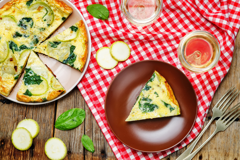 Isteni tojáslepény, amitől délig biztosan nem leszel éhes - Cukkinis, spenótos frittata reggelire