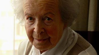 Rév Lívia 101. születésnapját is zongorázással ünnepelte