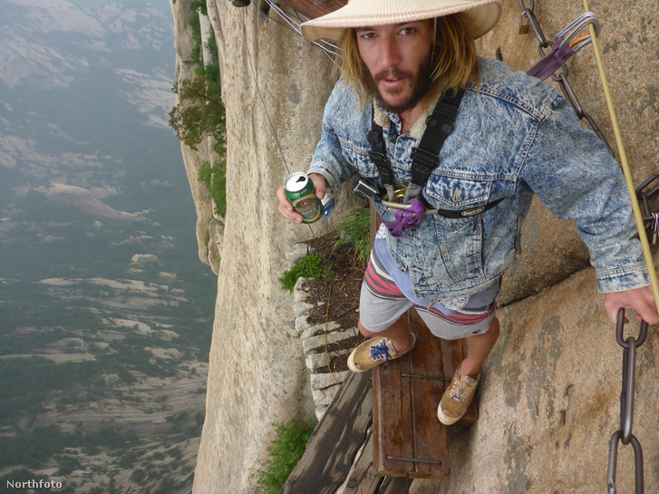 Járt egy hegyi szerpentinen, Kínában