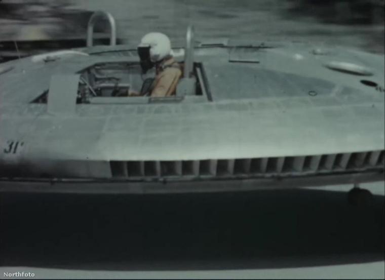 Igaz, hogy az amerikai hadsereg projektje volt, de magát a szerkezetet egy kanadai cég gyártotta le.