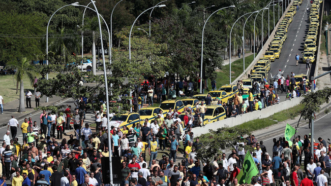 Ismét az Uber ellen tüntettek Rio de Janeiro utcáin
