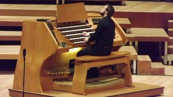 Tóka Ágoston orgonaművész Bach-különdíjas Angliában