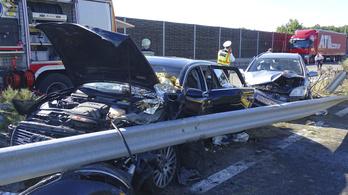 Autó elé ugró szarvas okozta egy motoros halálát