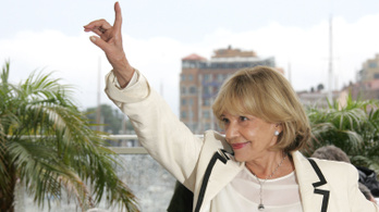 Holtan találták Jeanne Moreau-t