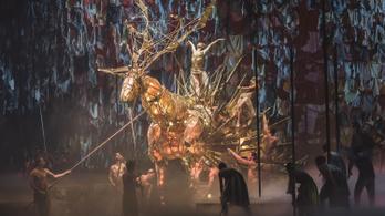 Artisták és kortárs táncosok mutatták meg a magyar virtust