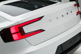 Új Volvo várható, az S50