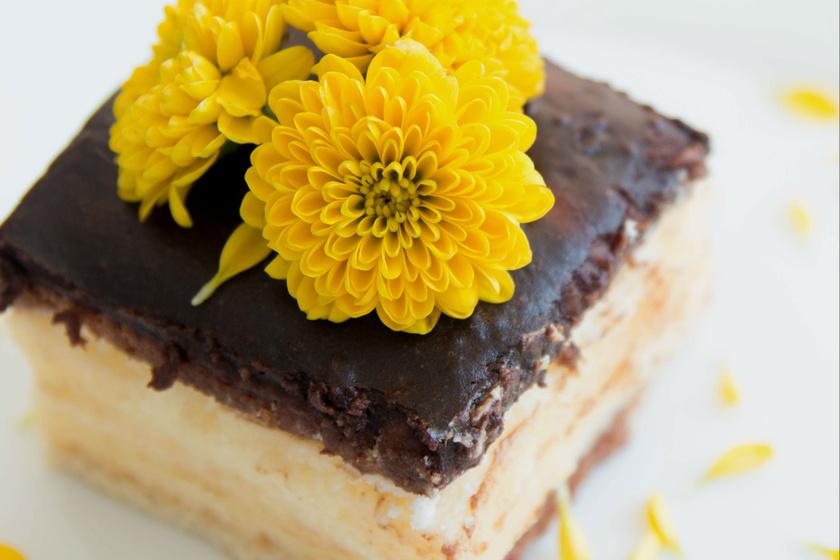 Csokis, vaníliás kekszes krémes sütés nélkül - Mennyei finomság percek alatt