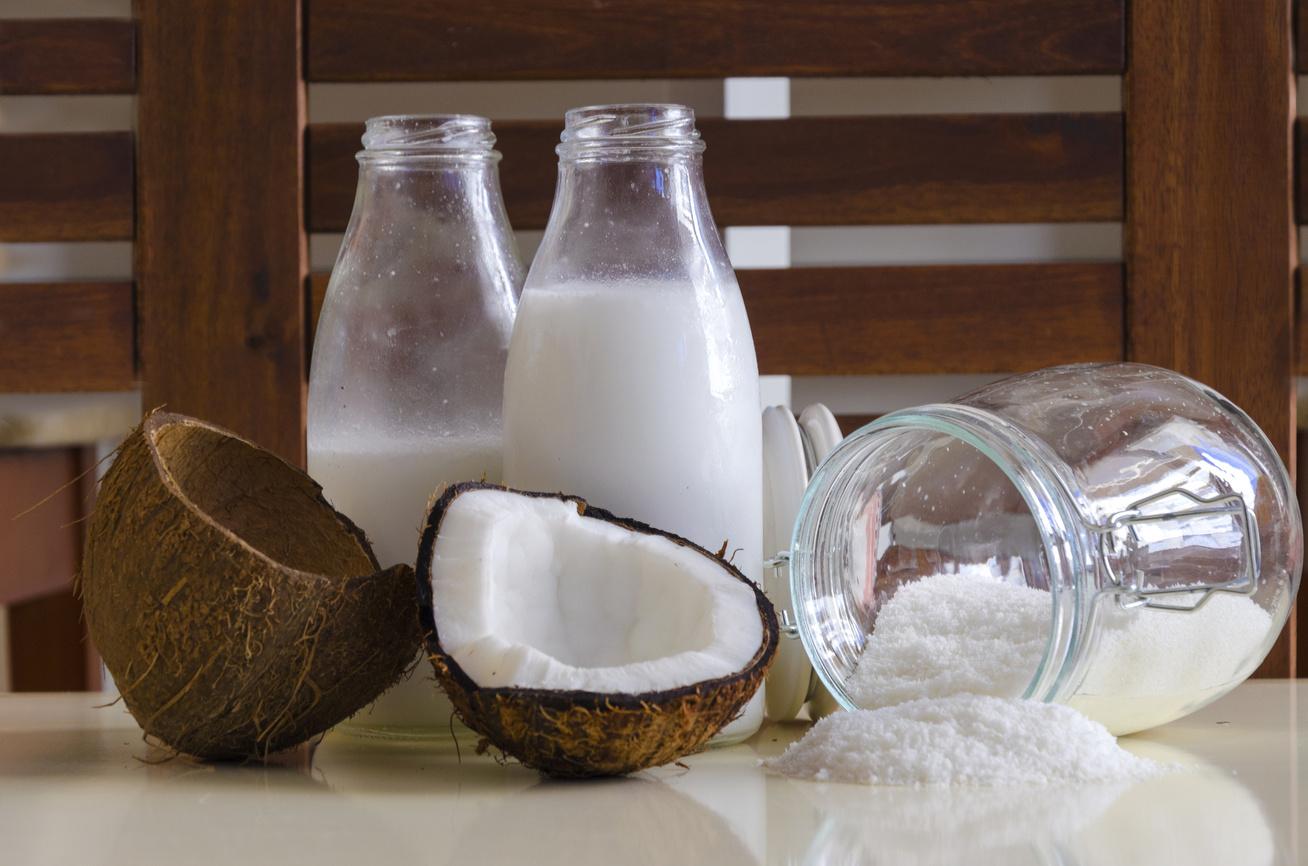 Így készíts otthon egészséges kókusztejet: kevésbé zsíros, mint a bolti