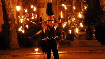 Tűzgolyók és lángoszlopok - a Fidelio programjai a Sziget 1. napján