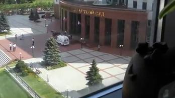 Lövöldözés volt egy moszkvai bíróságon