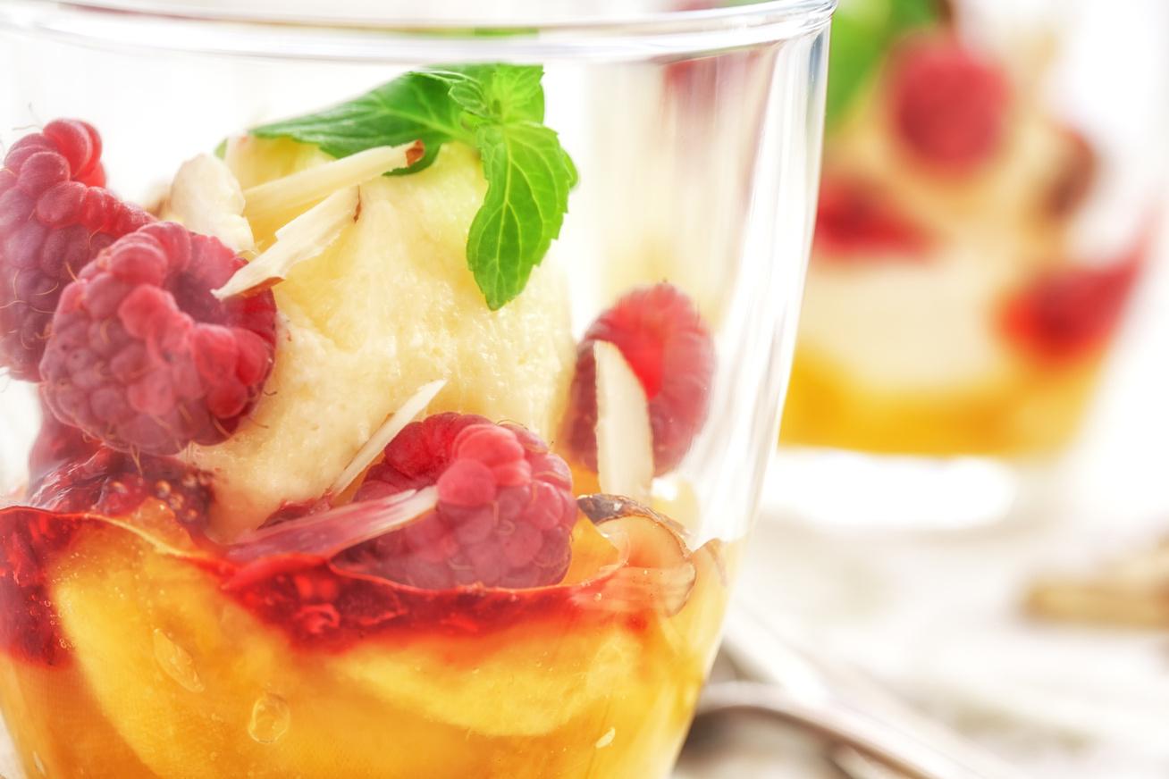 Mennyei gyümölcsös-fagyis kehely: a Peche Melba legjobb receptje