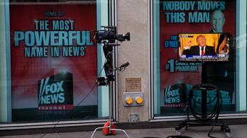 Egy magánnyomozó szerint a Fehér Ház és a Fox együtt gyártja a kamu híreket
