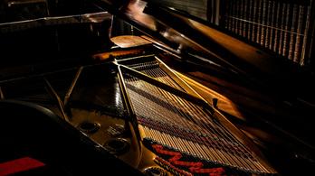 Ütős vagy húros hangszer a zongora?