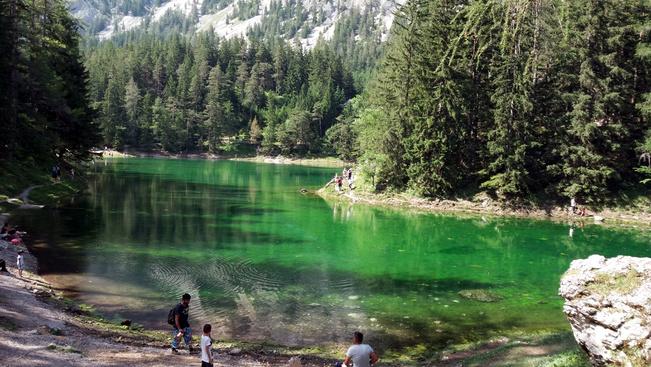 Stájerország apró ékszerdoboza smaragdzöld színű és Grüner See-nek hívják