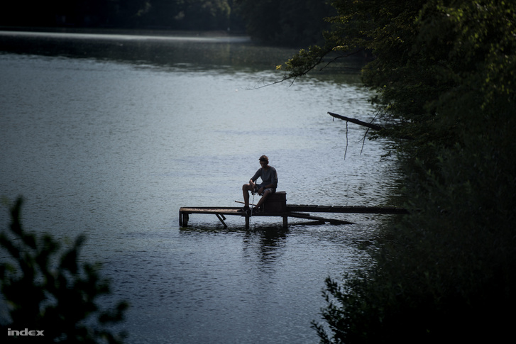 Diósjenő horgásztava