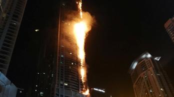 Hatalmas tűz pusztított egy dubaji toronyházban