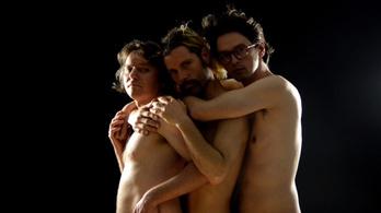 Ezek a meztelen férfiak nagyon szeretik egymást