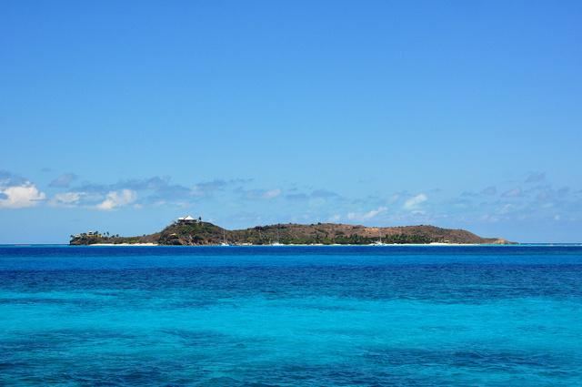 Necker Island a víz felől