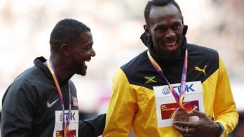 Bolt: Hallom, amit mondasz, de mi van?