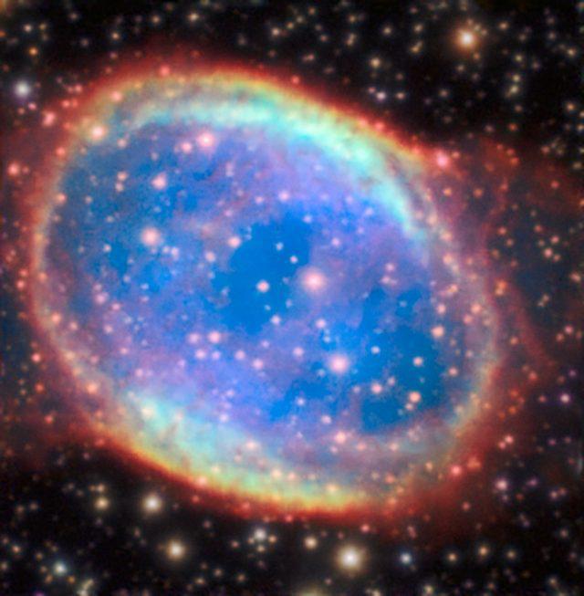 Az NGC 6563 katalógusjelű planetáris köd új képén is finomabb részletek ismerhetők fel, mint korrekció nélkül