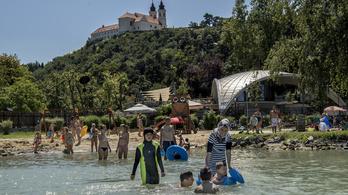 A Balatonban az a jó, hogy nem kell benne félni