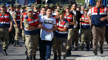 Erdogan azt is megmondja, mit viselhetnek ellenfelei a bíróságon